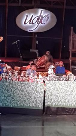 Saung Angklung Udjo: Para pemain yang masih muda