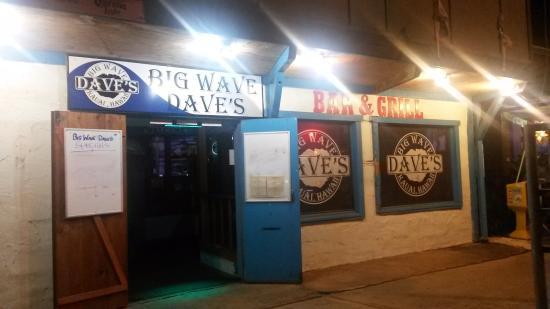 Big Wave Dave's: Entrance sign