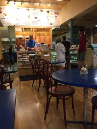 LA Baguette - Old Colorado City: More people coming in.