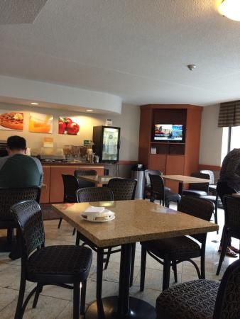 Quality Inn & Suites Mississauga: photo0.jpg