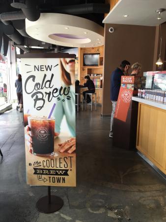 Restaurants Near North Hollywood Station 5350 Lankershim Blvd Burbank Ca 91601 Coffee Bean And Tea Leaf 192 The