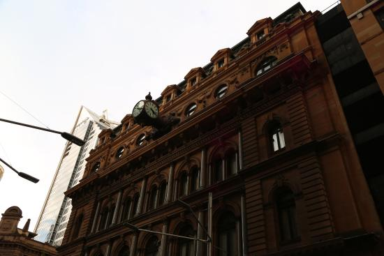 Grand Post Office (GPO) Sydney: Cool Clock