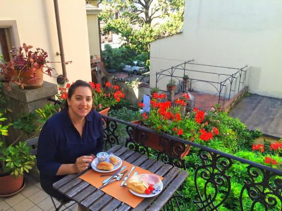 Residenza Betta: (the breakfast balcony (you can also sit inside