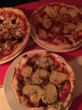 Pipi Cafe: Various yummy pizzas for all