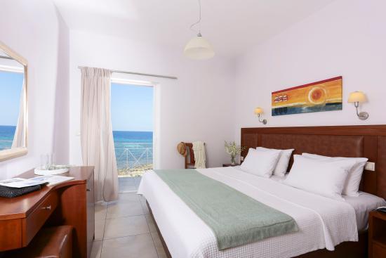 Artina Hotel