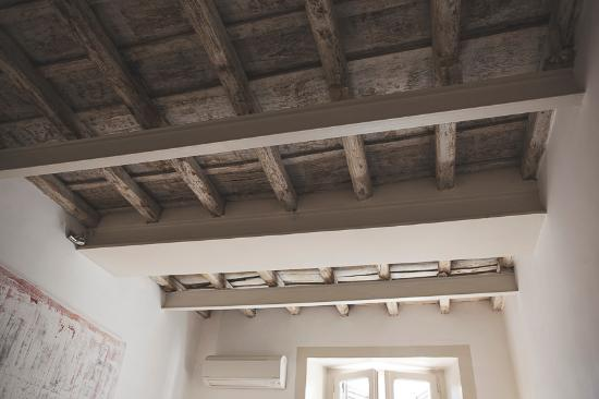 Blue Hostel: Original timber ceilings