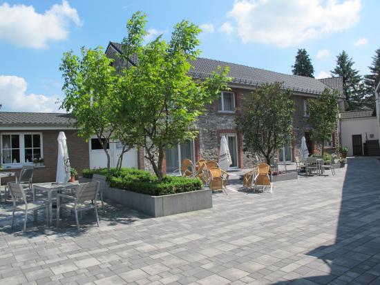 Raeren, Belgia: Hôtel Tychon : terrasse