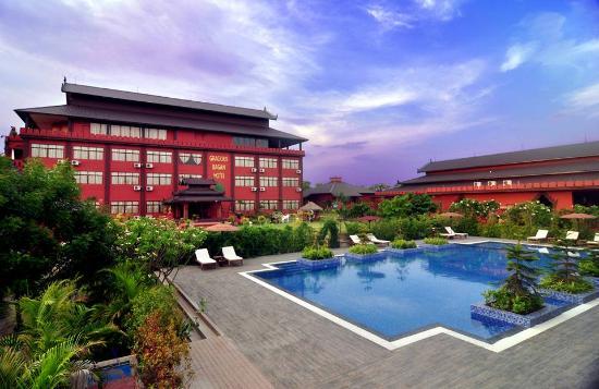 Gracious Bagan Hotel