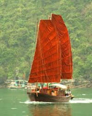 Cat Ba, Vietnam : Sails of Indochina - catba