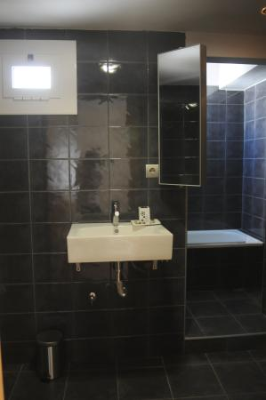 Hotel Ibiza: baño