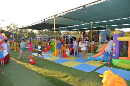 Feste Di Compleanno Nel Parco Giochi Foto Di Lido Nettuno