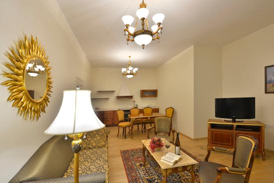 Residence Hotel Romanza: Apartment living room