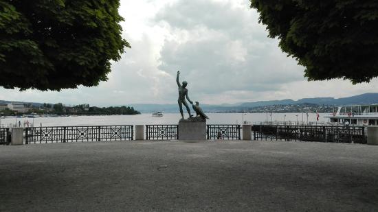 Estatua de Ganimedes