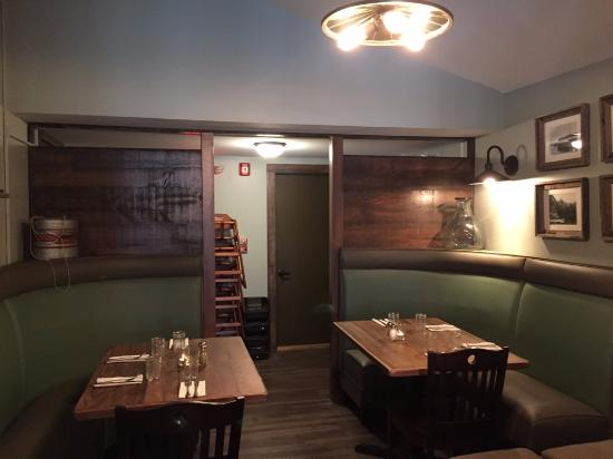 Bomoseen, VT: Booth Area at Lake House Pub & Grille
