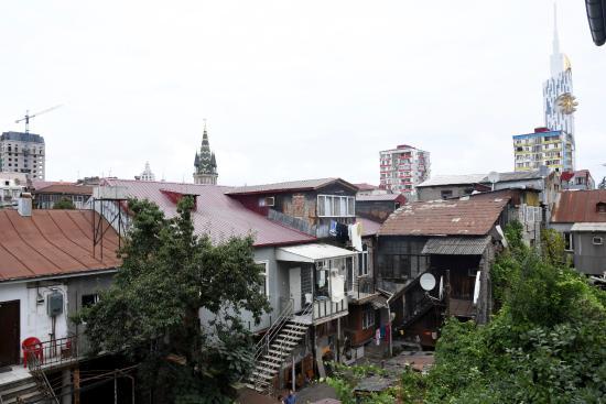 Dzveli Batumi Guesthouse : View from my room - authentic Batumi