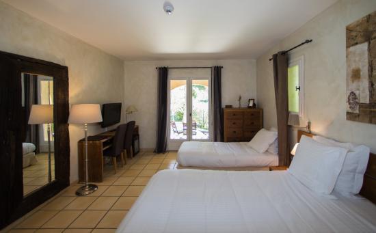 Hôtel La Garbine : Room