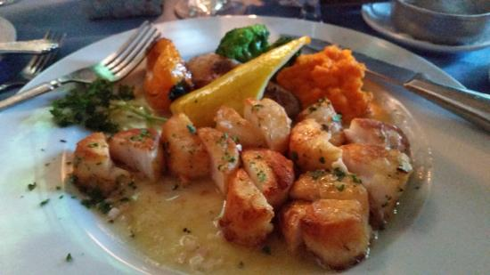 Inn at Phillip's Mill Restaurant: My scallops, which I already cut in half and began to eat--+ mashed sweet potatoes sauted veggie