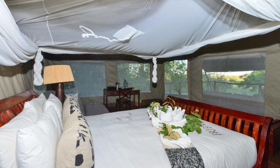 Linyanti Reserve, Botsuana: Bedroom at Linyanti Bush Camp