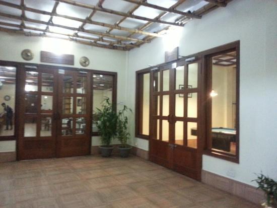 Resort Borgos: Reception