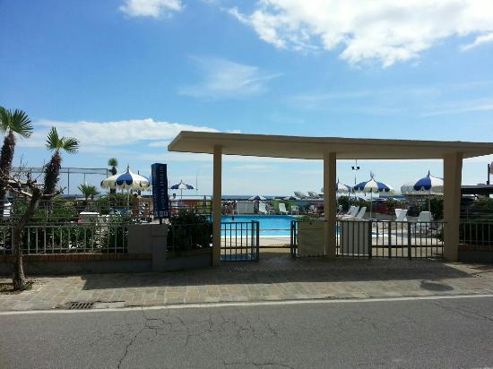 Hotel Italia: IMG-20160604-WA0007_large.jpg