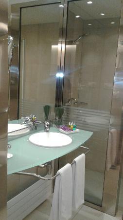 Ayre Hotel Caspe: 20160322_150339_large.jpg