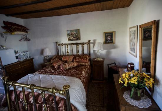 Cuba, นิวเม็กซิโก: Don Juan room in historic adobe