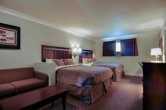 Vagabond Inn - Whittier: Two Queen Beds 8