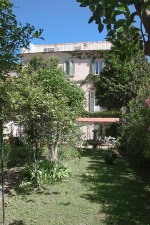 Hotel saint roch 71 7 8 prices reviews avignon for Au saint roch hotel jardin