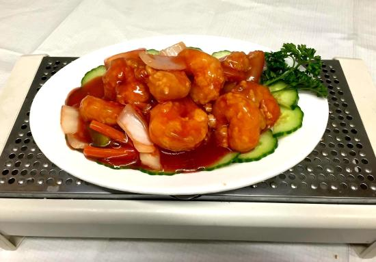 Dings Restaurant Takeaway: Ding's Chinese Restaurant and Takeaway.