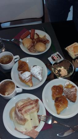 BEST WESTERN Art Hotel Noba: breakfast