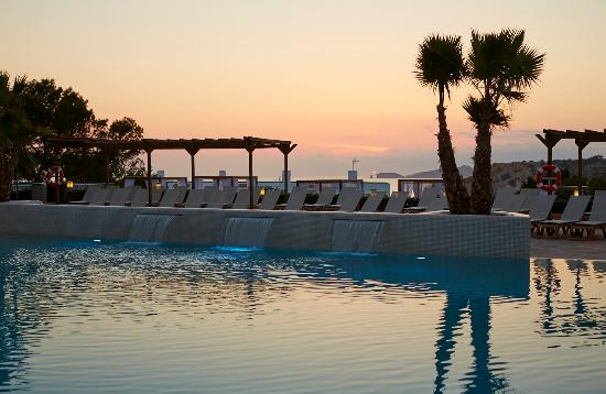 Insotel Club Tarida Playa: Pool with sunset