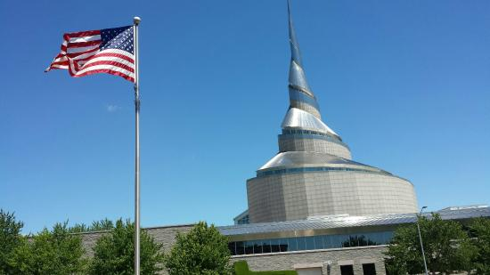 Community of Christ International Headquarters Temple and Auditorium