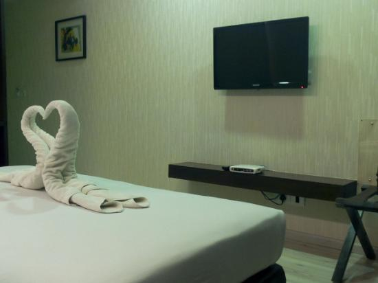 Comfort Inn Sunset: Loved the towel arrangement