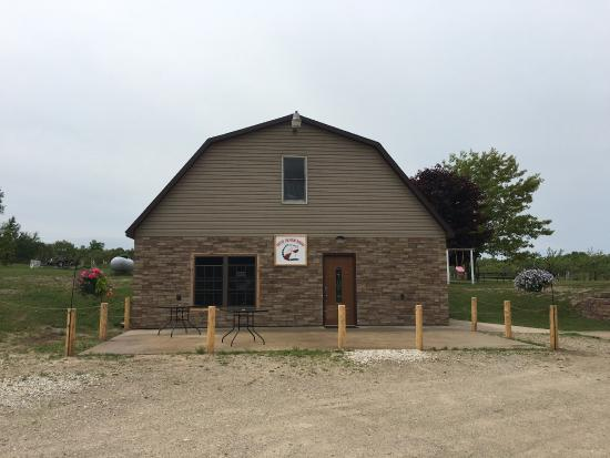 Germfask, MI: End of the Road Winery