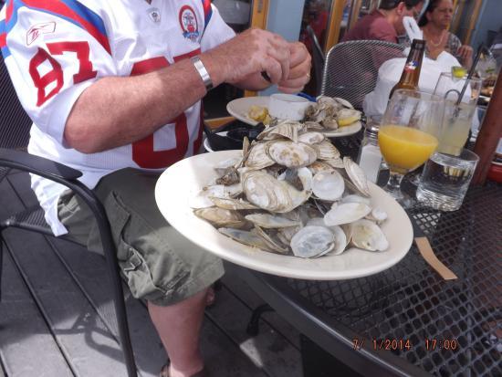 Captain Carlo's Restaurant: sweet local clams at capt. carlos.