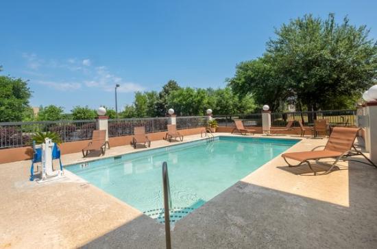Red Roof Inn U0026 Suites Savannah