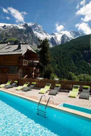 Piscine photo de hotel restaurant castillan la grave for Restaurant piscine