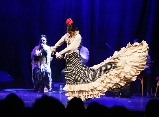 Flamenco Barcelona THEATRE CITY HALL