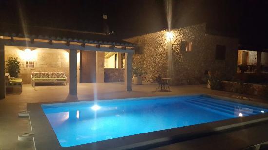Vilafranca de Bonany, España: 20160603_222210_large.jpg