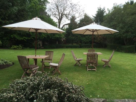 The Eastbury Hotel : Tranquill rear garden