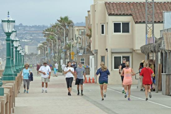 The Promenade at Pacific Beach: On the boardwalk at Pacific Beach