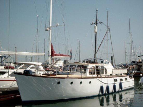 Malabar Classic Motor Yacht Charters