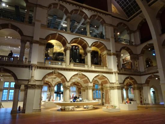 Tropenmuseum Mauritskade-Linneusstraat amsterdam oost