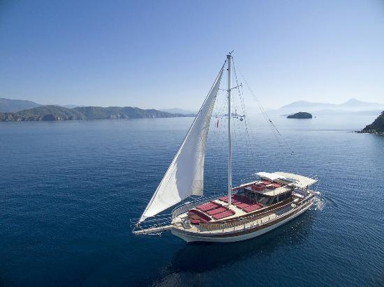 Akar Yachting
