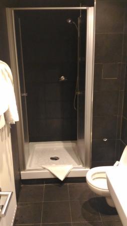 Apollon: Bathroom