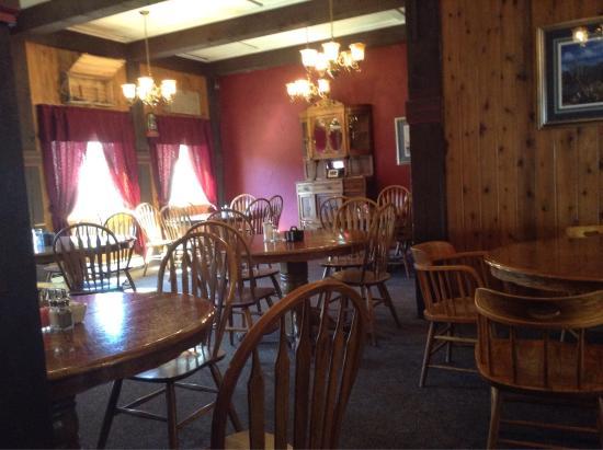 Soda Butte Lodge: photo1.jpg