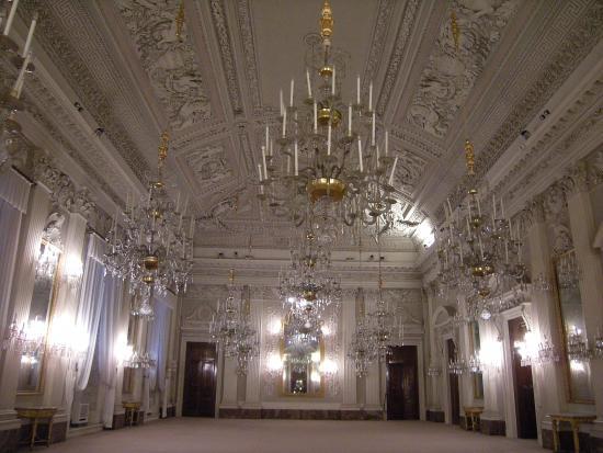 La sala bianca picture of palazzo pitti florence for Palazzo pitti