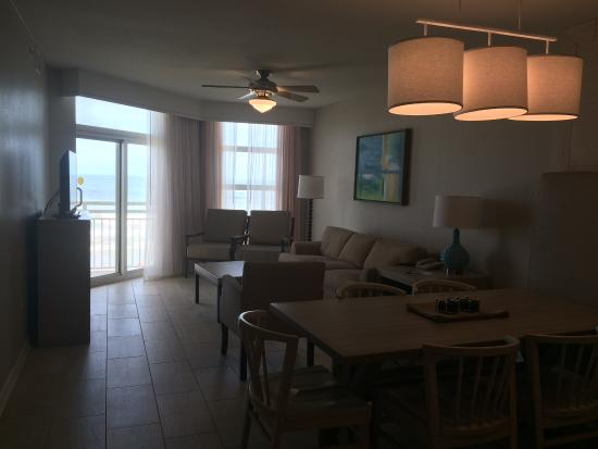 3-bedroom condo, eating/living area - picture of wyndham ocean