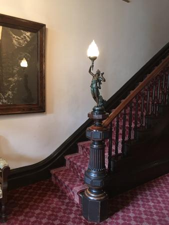 The Inn San Francisco: Stairs leading up to 2nd and 3rd Floors