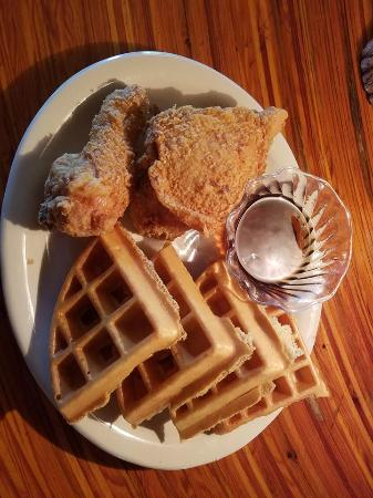 Po Po Restaurant: Chicken and Waffles